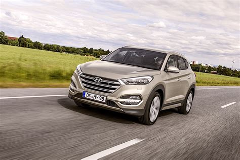 Tucson pushes the boundaries of the segment with dynamic design and advanced features. HYUNDAI Tucson specs & photos - 2016, 2017, 2018 ...
