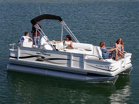 Crest Boats by Research Crest Boats 20 Pro R Le Pontoon Boat On Iboats
