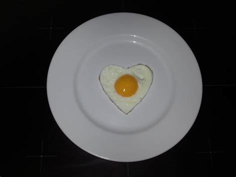 egg fried heart  photo  pixabay