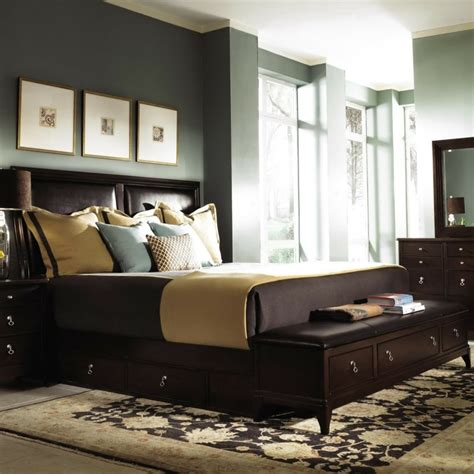 rangement chambre adulte bout de lit coffre un meuble de rangement astucieux