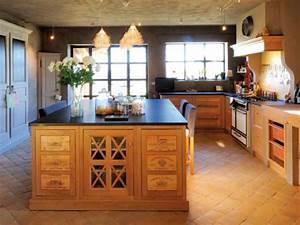 la cuisine avec ilot cuisine bien structuree et With cuisine provencale avec ilot