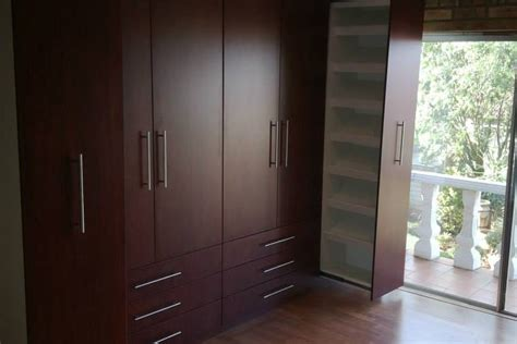 Wardrobe Cupboards For Sale by Built In Cupboards Carpentry King