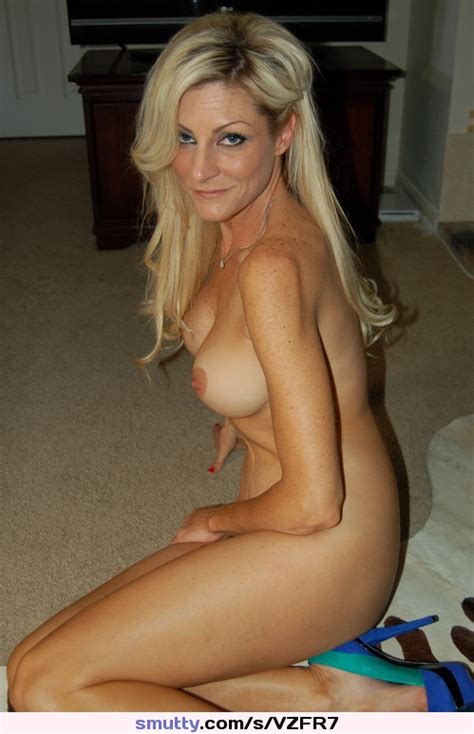 Mature Milf Blonde Cougar Eyes Eyecontact Gaze Sexy Hot Blondine Sexymilf Hotbody
