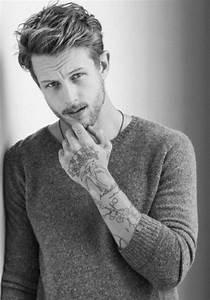 Mini Tattoos Männer : 80 super attraktive handgelenk tattoo ideen ~ Frokenaadalensverden.com Haus und Dekorationen