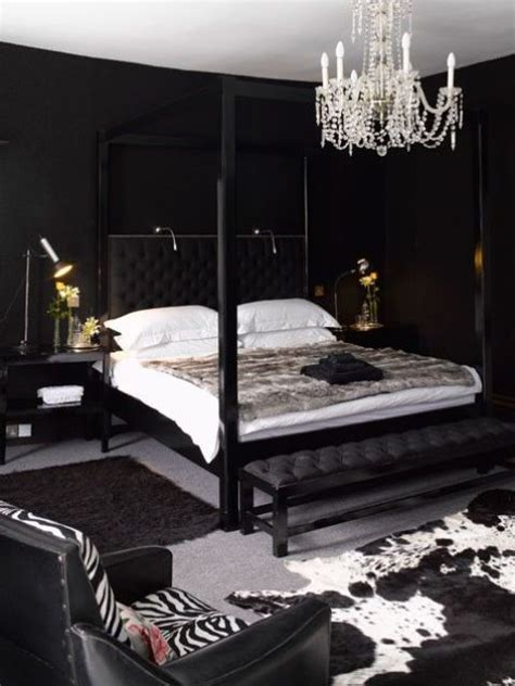 Black Bedroom Wall by 27 Stylish Bedrooms With Black Walls Digsdigs