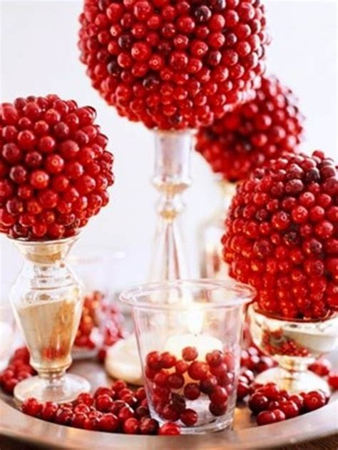 decorating with cranberries for christmas 75 charming winter centerpieces digsdigs