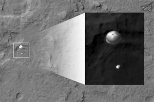 NASA Caught Curiosity In The Act Of Landing In This Image ...