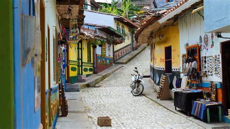 inspiring        visit guatape
