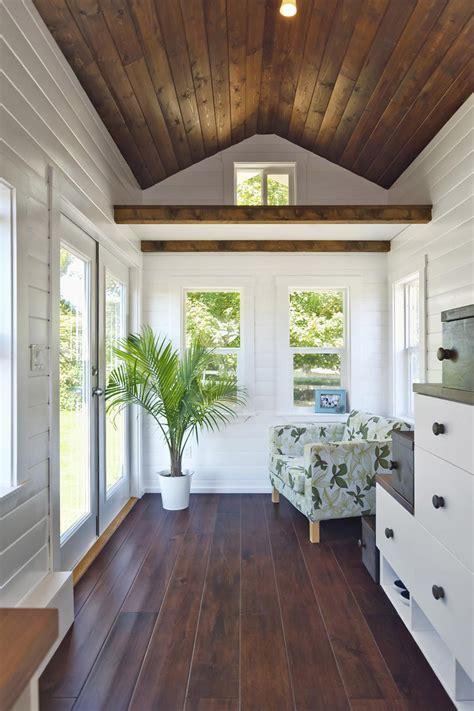 stunning minimalist flooring minimalist lizetteesco 133 sq ft amalfi tiny house has