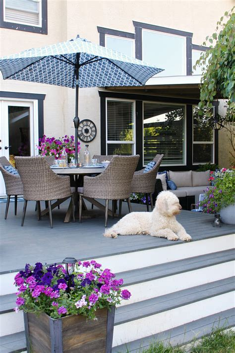 We often limit our thinking to the ground when we consider natural, outdoor spaces—planters, fountains, rugs, furniture, etc.—so unexpected hanging. Outdoor Living - Summer Patio Decorating Ideas - Clean and ...
