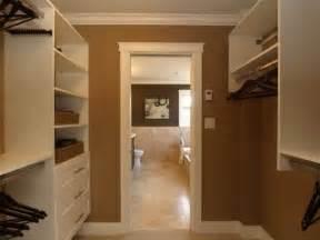 and bathroom floor plans 1000 ideas about walk through closet on