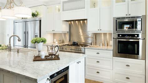 cuisine classique blanche amoureux du classique dans la cuisine les idées de ma maison