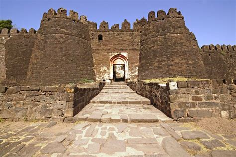 daulatabad fort aurangabad remote traveler