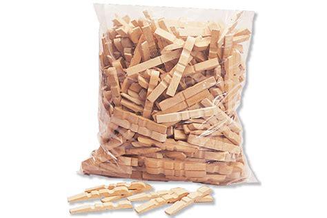 objet en pince a linge en bois set de 200 demi pinces 224 linge en bois accessoires inneo