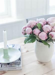 le bouquet pivoine qui peut creer une atmosphere joviale With affiche chambre bébé avec bouquet de roses blanches