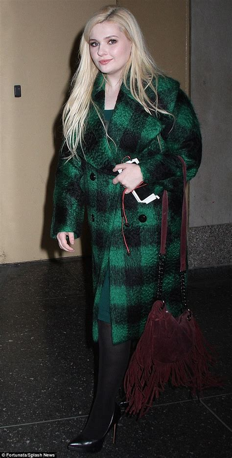 Abigail Breslin heads to Today show to promote Scream ...