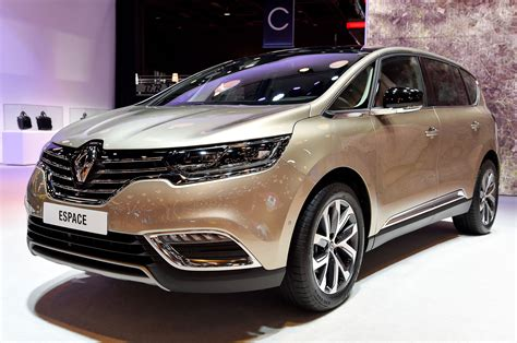 Renault Shows off Production-Ready Espace Crossover in Paris