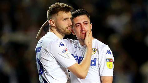 Leeds United lift the Sky Bet Championship trophy ...