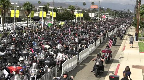USA: Thousands of bikers pay tribute to veterans on ...