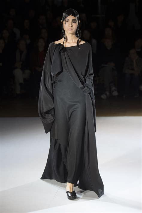 yohji yamamoto fall winter 2015 16 women s collection