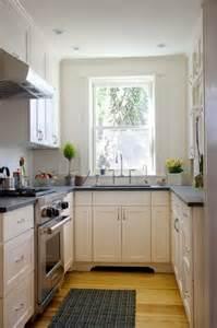 small galley kitchen design ideas aménager une cuisine 40 idées pour le design