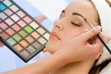 how do you become a makeup artist beauty therapy nvq level 2 course what you need to