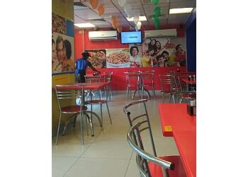 pizza outlets  lucknow expert recommendations