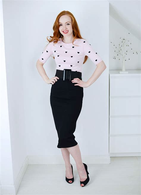 10 Pencil Skirt Outfits to Try | How to wear a pencil skirt