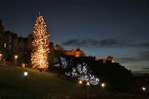 edinburgh christmas 2005 looking towards the christmas tree on the mound with ramsay garden