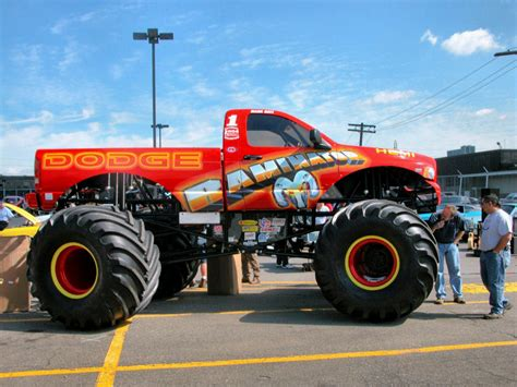videos de monster trucks raminator fotos de carros