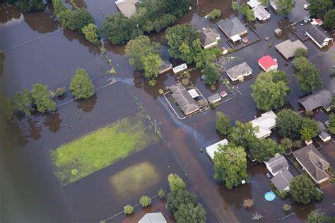 louisiana flooding president obama  visit baton rouge