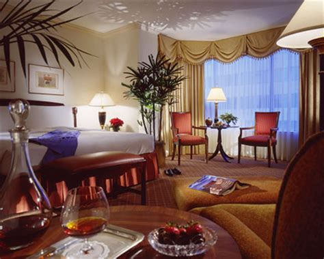 Four Seasons Hotel Houston - Four Seasons Houston
