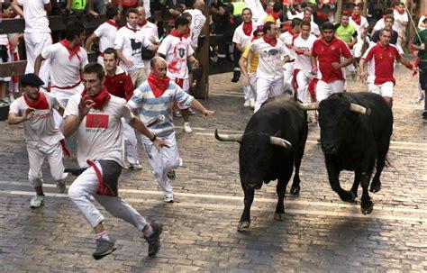 San Fermn The Running Of The Bulls Estudio Sampere