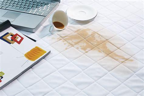 macchie sangue materasso pulire materasso prodotti e consigli pratici da seguire