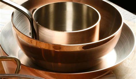batterie de cuisine en cuivre a vendre l 39 entretien du cuivre pour les cuisines professionnelles