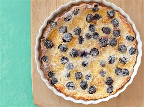 Whether you're at the park, in your backyard or spreading a blanket in your living room. Packable Summer Picnic Desserts : Food Network | Recipes ...