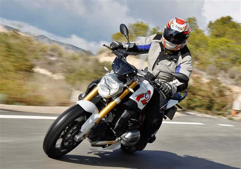 Best Standard Motorcycle Of 2015