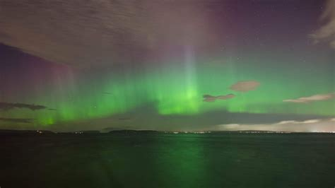 northern sound and light epic northern lights show dazzles puget sound region komo