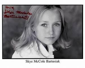 "Skye McCole Bartusiak as Young Katherine Anne ""Kate ..."