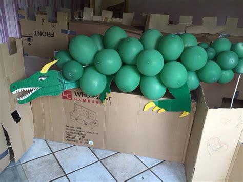 drache aus luftballons zum spielen ritter