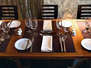 Tisch Richtig Eindecken : besteck eingedeckter tisch eindecken pinterest ~ Lizthompson.info Haus und Dekorationen