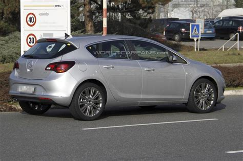 Opel Astra Facelift by Opel Astra Facelift 2012 1