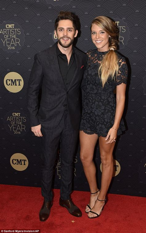 Carrie Underwood dazzles on red carpet at CMT Artists Of ...