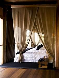 Rideau De Chambre : le rideau en lin une belle d coration pour l 39 int rieur ~ Teatrodelosmanantiales.com Idées de Décoration