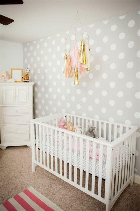 mur chambre bébé déco mur chambre bébé 50 idées charmantes