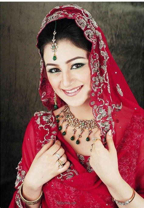 bridal glorious mehndi design makeup   dress  xcitefunnet