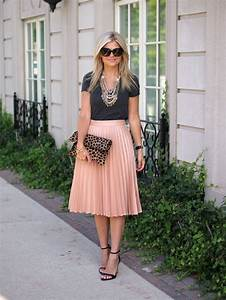 What To Wear With A Pleated Skirt 2019