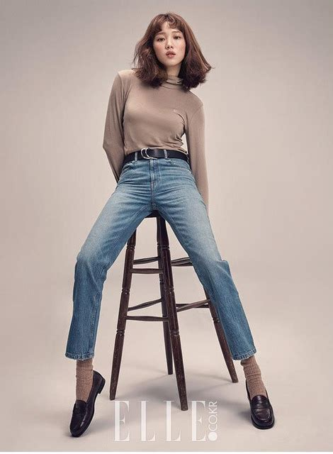additional images  lee sung kyung  february elle