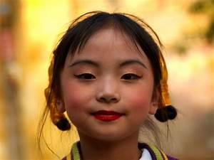 China, Girls dress up and Chinese on Pinterest