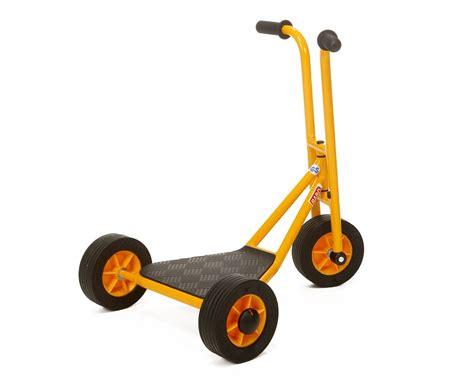 rabo trehjulig sparkcykel  wheel scooter lekutese